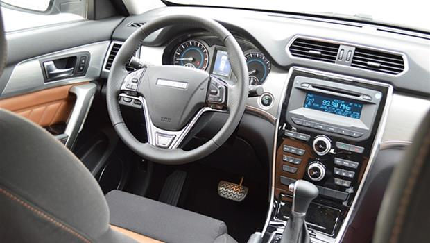 نمای داخلی خودرو هاوال H2